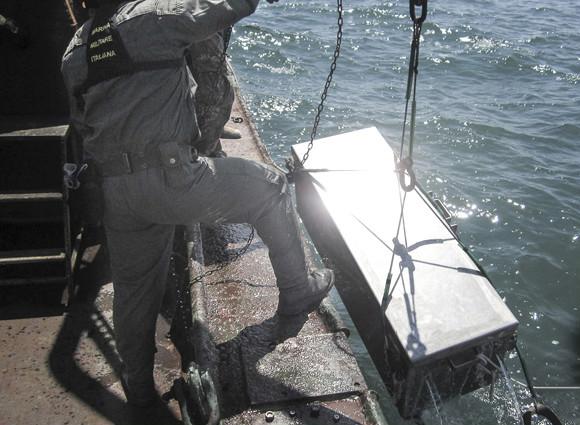Marina Militare: il Gruppo Operativo Subacquei neutralizza 4 bombe d'aereo al fosforo