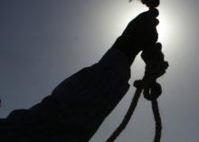 Molestatore tenta il suicidio
