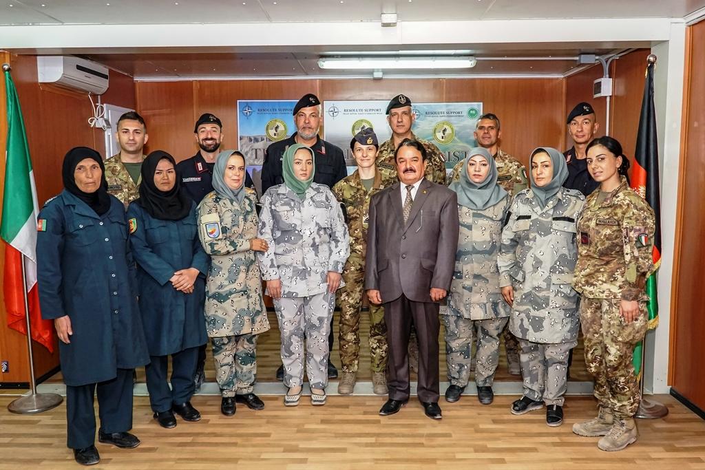 Concluso addestramento per le donne delle Forze di polizia afghane
