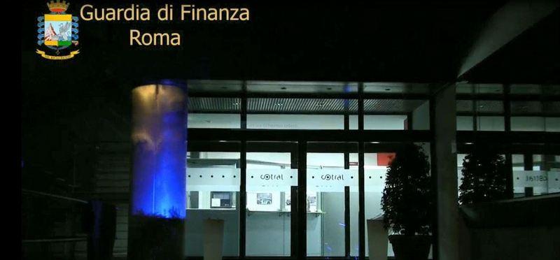 GdF Roma: truccavano le manutenzioni degli autobus Cotral. Arrestato titolare di officina meccanica