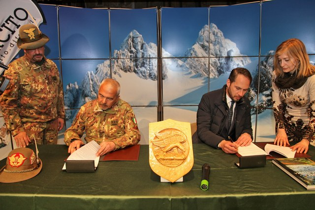 Firmato un importante accordo sulla sicurezza in montagna tra Esercito e AINEVA.