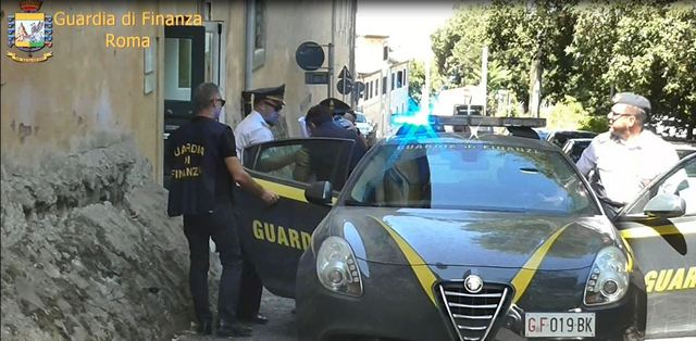 GDF ROMA: 16 ARRESTI PER UNA FRODE FISCALE MILIONARIA NEL COMMERCIO DI PRODOTTI INFORMATICI.