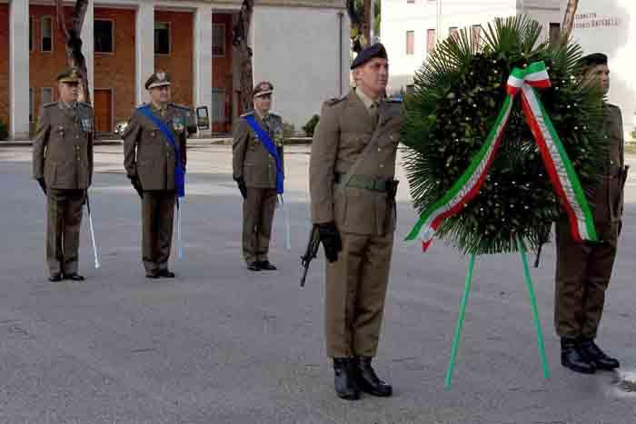 """Il Generale di Divisione Vittiglio cede l'incarico di Comandante  della Divisione """"Acqui"""" al Generale di Divisione Polli"""