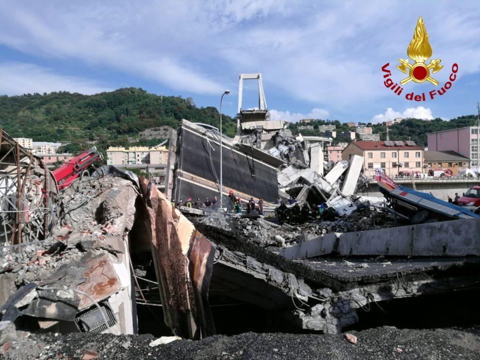 Il crollo di Genova è il crollo dell'Italia