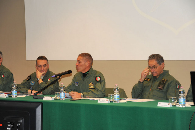 STORMO AL CENTRO: LA TRASFORMAZIONE DELL'AERONAUTICA MILITARE PRENDE FORMA