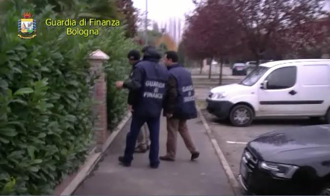 """GdF Bologna: Operazione """"The next one"""". Sequestrato patrimonio del valore di 18 milioni di euro nei confronti di un affiliato al """"clan dei casalesi"""""""