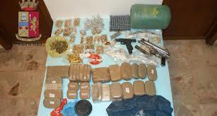 Droga e armi sotto la sabbia a Messina
