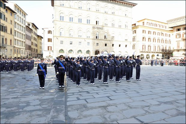 Gli allievi Douhet giurano in Piazza della Signoria