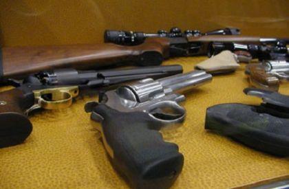 Nascondevano le armi della malavita, 11 arresti a Gela