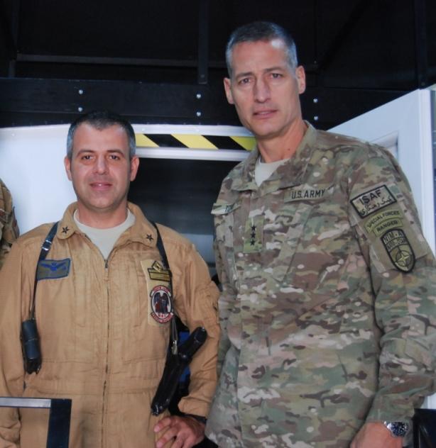 Afghanistan: il Comandante della NATO Training Mission-Afghanistan (NTM-A) incontra il personale dell'Aeronautica Militare di Shindand.
