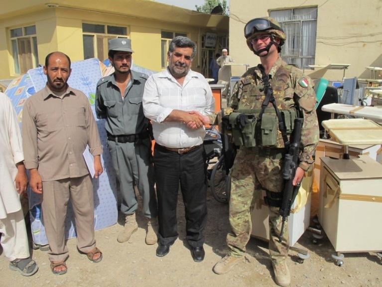 Afghanistan: la TSU-S consegna attrezzature mediche all'ospedale di Farah
