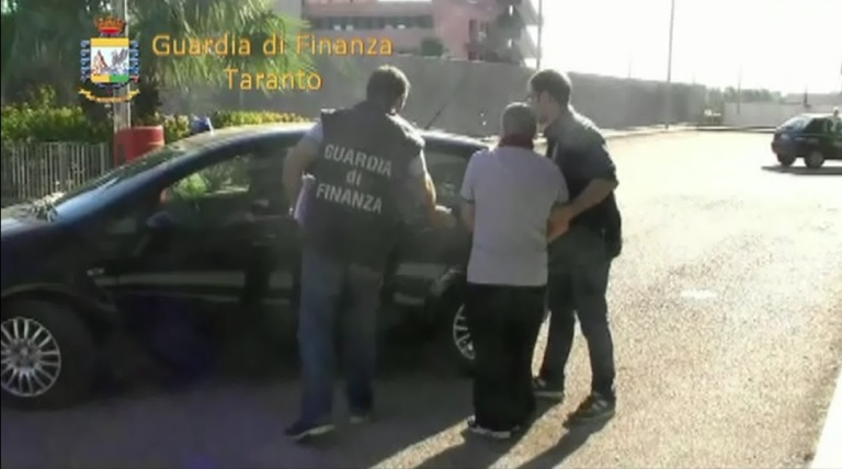 """Traffico e spaccio di sostanze stupefacenti – arrestate 39 persone appartenenti al """"Clan Taurino"""""""