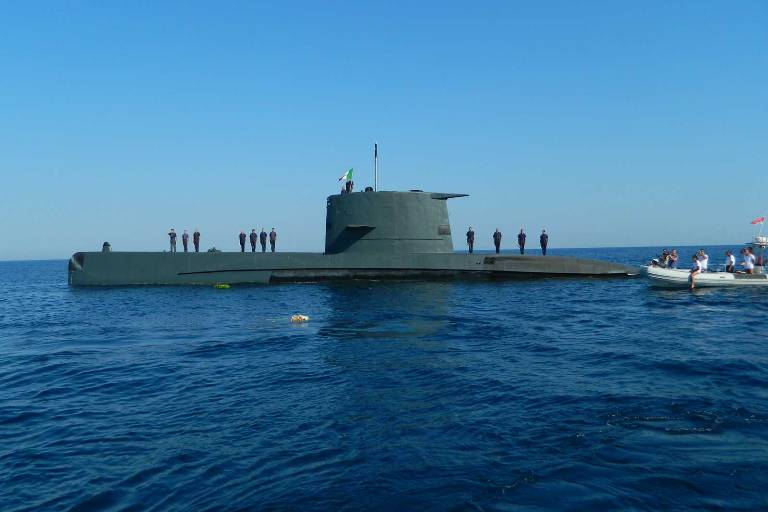 La Marina in provincia di Lecce per farsi conoscere e per commemorare i caduti del sommergibile Micca