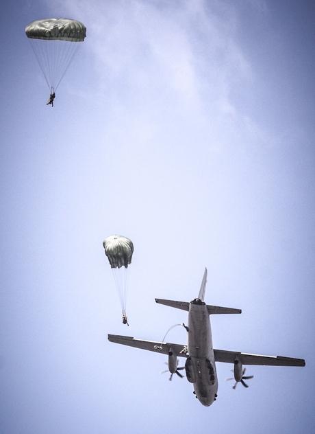 Brigata Paracadutisti Folgore---
