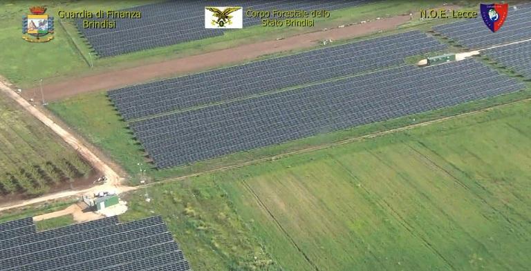 """Operazione """"Black Out"""" illecita realizzazione di parchi fotovoltaici arrestati 12 responsabili e sequestrati 27 impianti."""