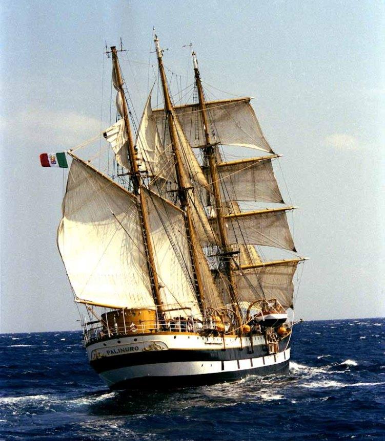 Marina Militare: la Goletta Palinuro torna a Taranto  termina la campagna 2013 a favore degli Allievi Marescialli