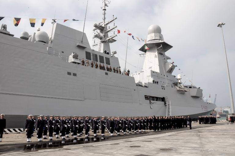 Consegnata la Bandiera di Combattimento a nave Bergamini ---