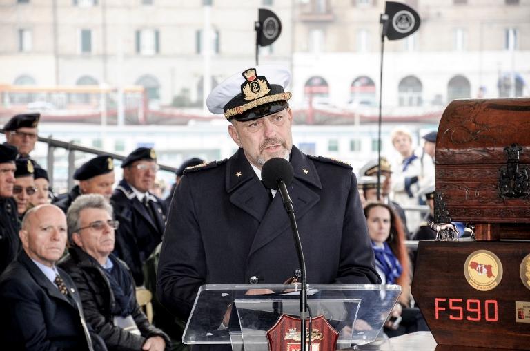 Consegnata la Bandiera di Combattimento a nave Bergamini