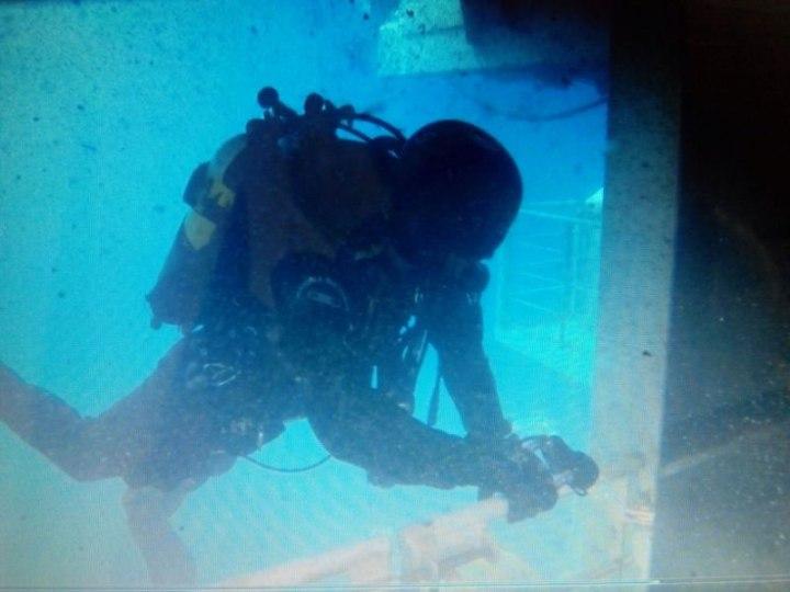 I Palombari del Gruppo Operativo Subacquei hanno iniziato ad ispezionare i ponti interni del relitto Costa Concordia---