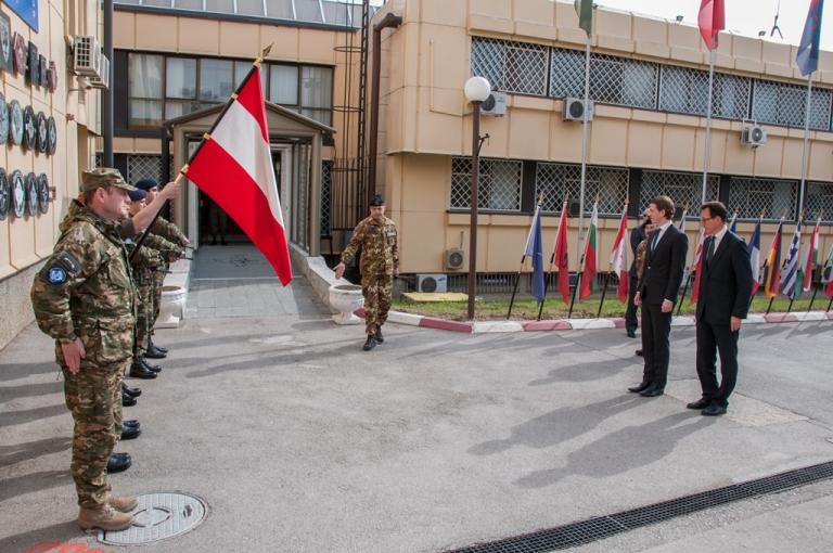 KFOR  Generale Farina incontra Ministro Austriaco