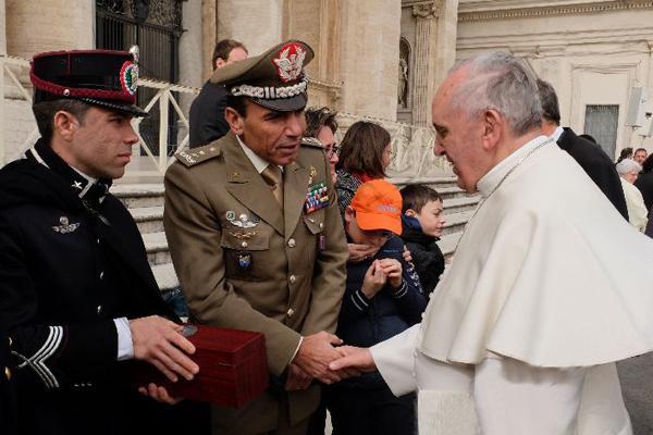 La Scuola Sottufficiali incontra Papa Francesco