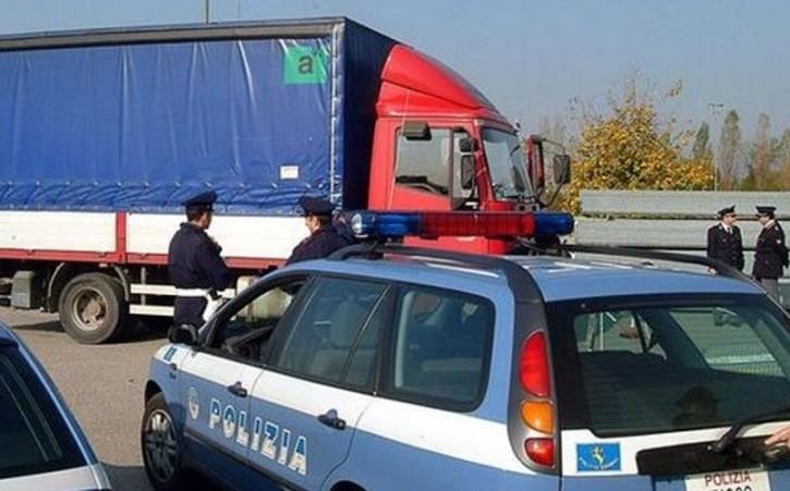 Rapinavano tir, manette per 6 banditi a Palermo