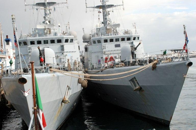 Sosta a Napoli delle navi della 'Scuola Comando Navale'