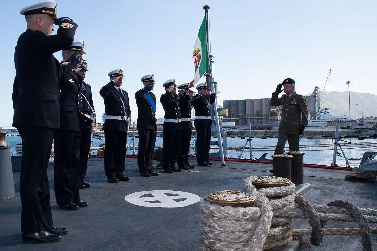 le navi della Scuola Comando in sosta a Palermo-