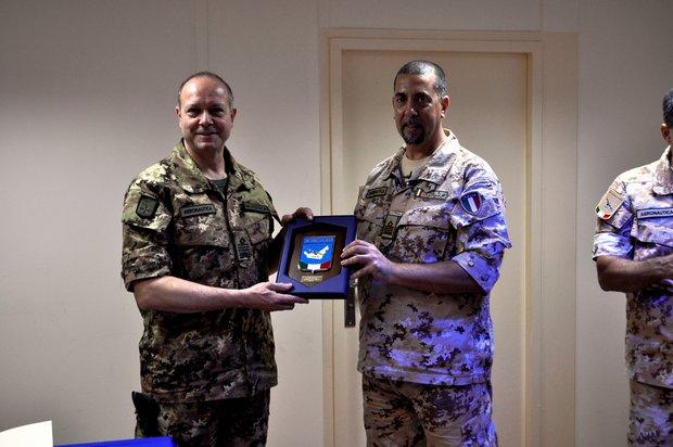 Il Comandante Logistico visita la TFA di Al Bateen--