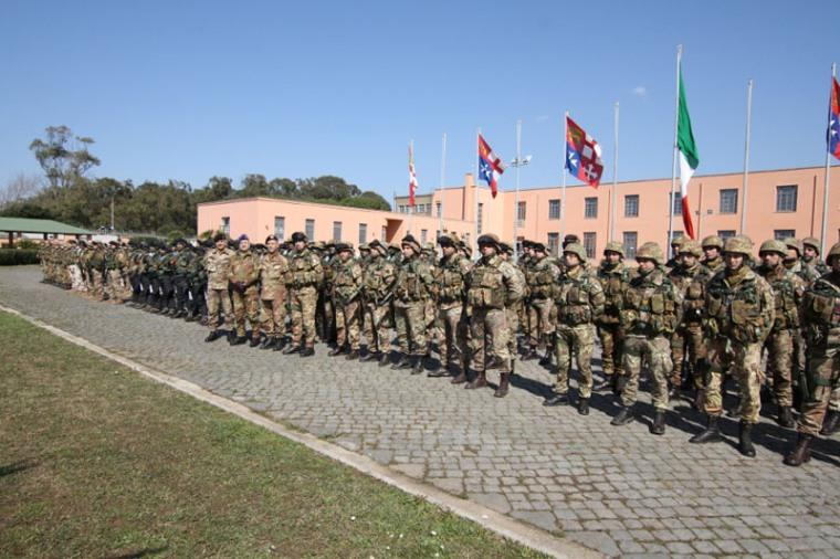 Visita del Generale Bernardini allo Sforzesca e al COMACA -
