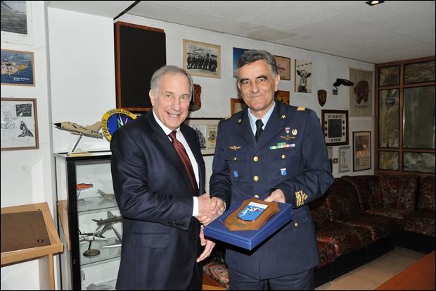 Visita dell'Ambasciatore Americano in a Cameri--