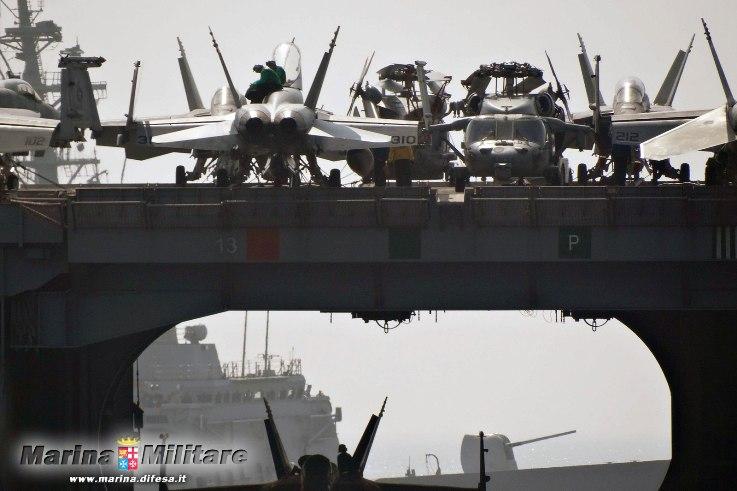 Antipirateria nave Mimbelli in addestramento con la US NAVY  nel mar Arabico -