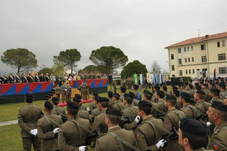 Cambio del Comandante del Battaglione Logistico Ariete ---