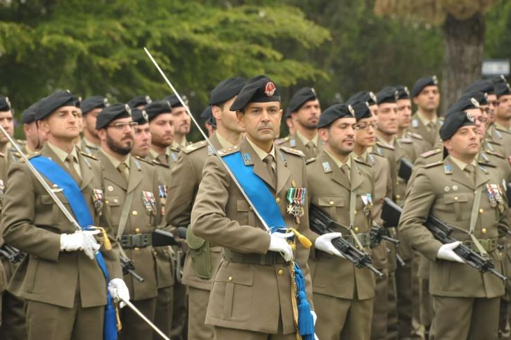 Cambio del Comandante del Battaglione Logistico Ariete ----