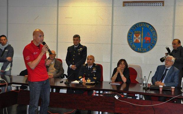Gli astronauti atterrano a Catania
