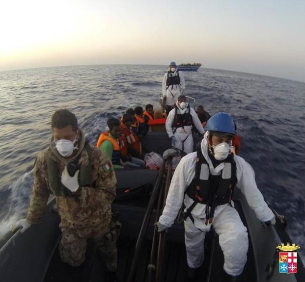 Mare Nostrum: soccorsi  730 migranti dalle navi della Marina Militare