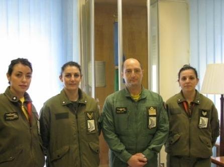 Prima assistente di volo sul velivolo KC767A-
