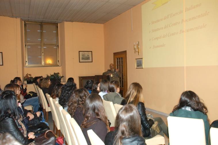 Studenti Universitari di Antropologia al CEDOC di Torino--