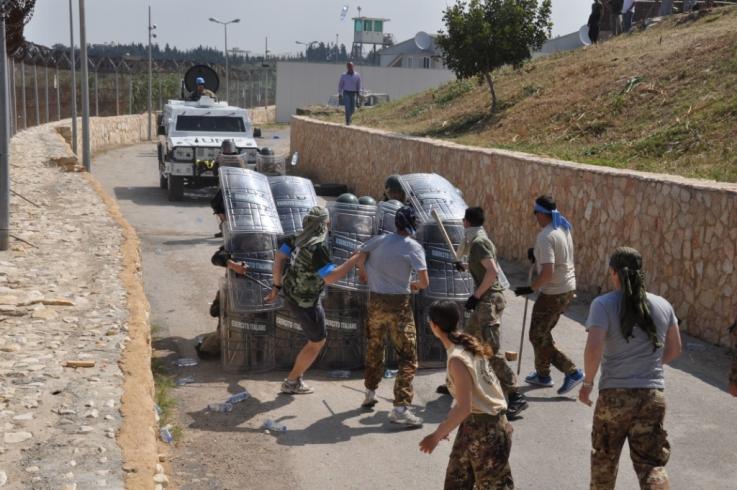 Addestramento congiunto dei caschi blu italiani con le Forze Armate libanesi ---