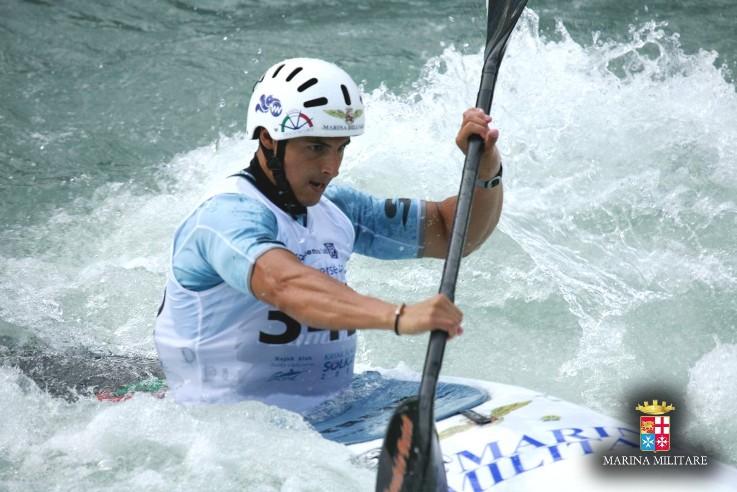 Canoa slalom: tre ori e un argento per gli atleti della Marina a Valstagna