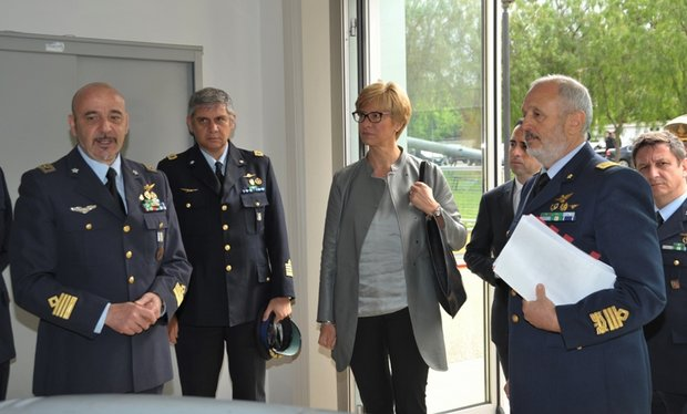 Il Ministro della Difesa alla SSAM di Caserta----