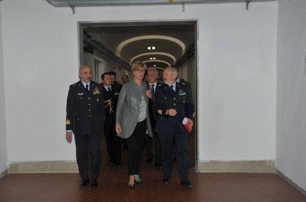 Il Ministro della Difesa alla SSAM di Caserta------