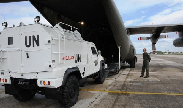 L'AM supporta due voli per l'ONU ---