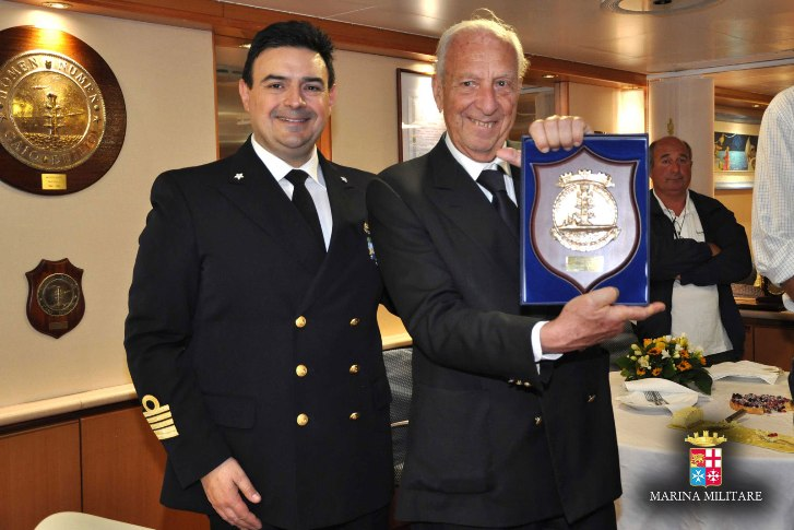 La Lega Navale dona un modellino della corazzata Duilio a...nave Duilio ----