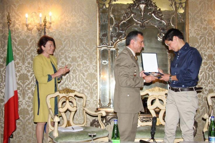 """Presentato il libro """"Un mese e mezzo in Afghanistan"""" del Caporal Maggiore Cristina Buonacucina"""
