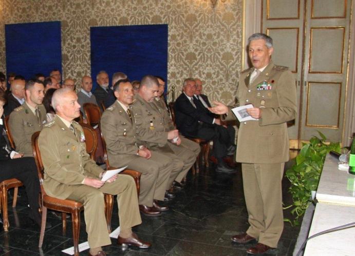 Presentato il libro Un mese e mezzo in Afghanistan del Caporal Maggiore Cristina Buonacucina --