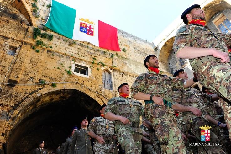 Visita del Ministro della Difesa al Comando della Brigata Marina San Marco-----