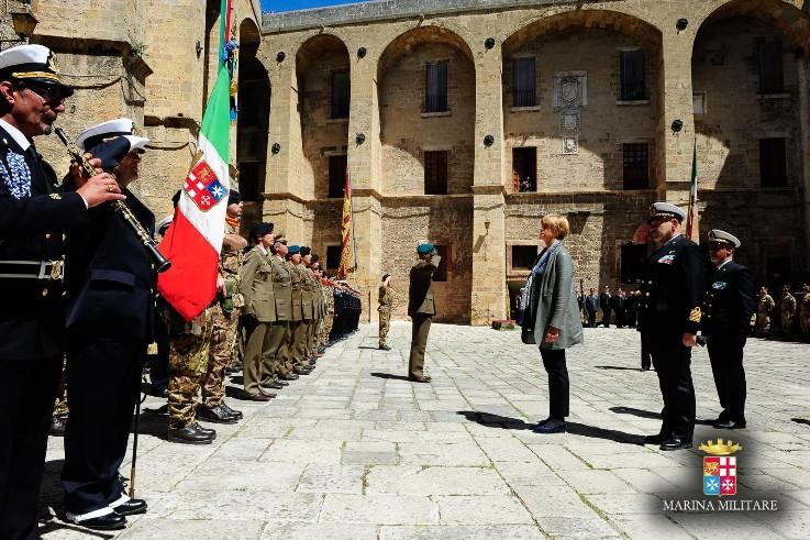 Visita del Ministro della Difesa al Comando della Brigata Marina San Marco----