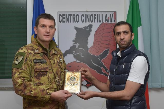 Il centro cinofili dell'Aeronautica Militare visitato da militari Emiratini