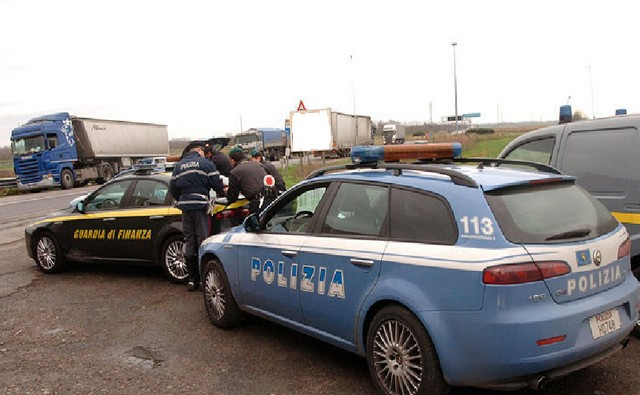 GDF POTENZA: TRUFFE ASSICURATIVE, INDAGINE CONGIUNTA DI GUARDIA DI FINANZA E POLIZIA STRADALE